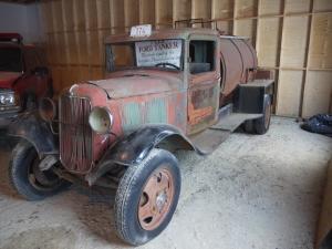 1933 Ford Tanker